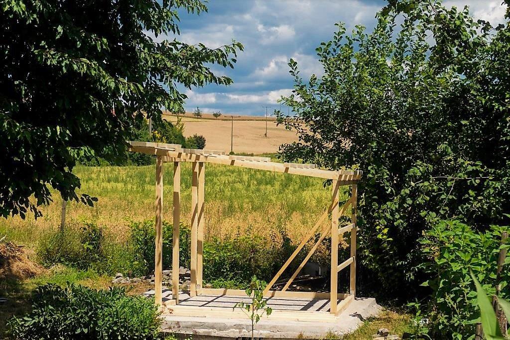 Montaż altanki ogrodowej
